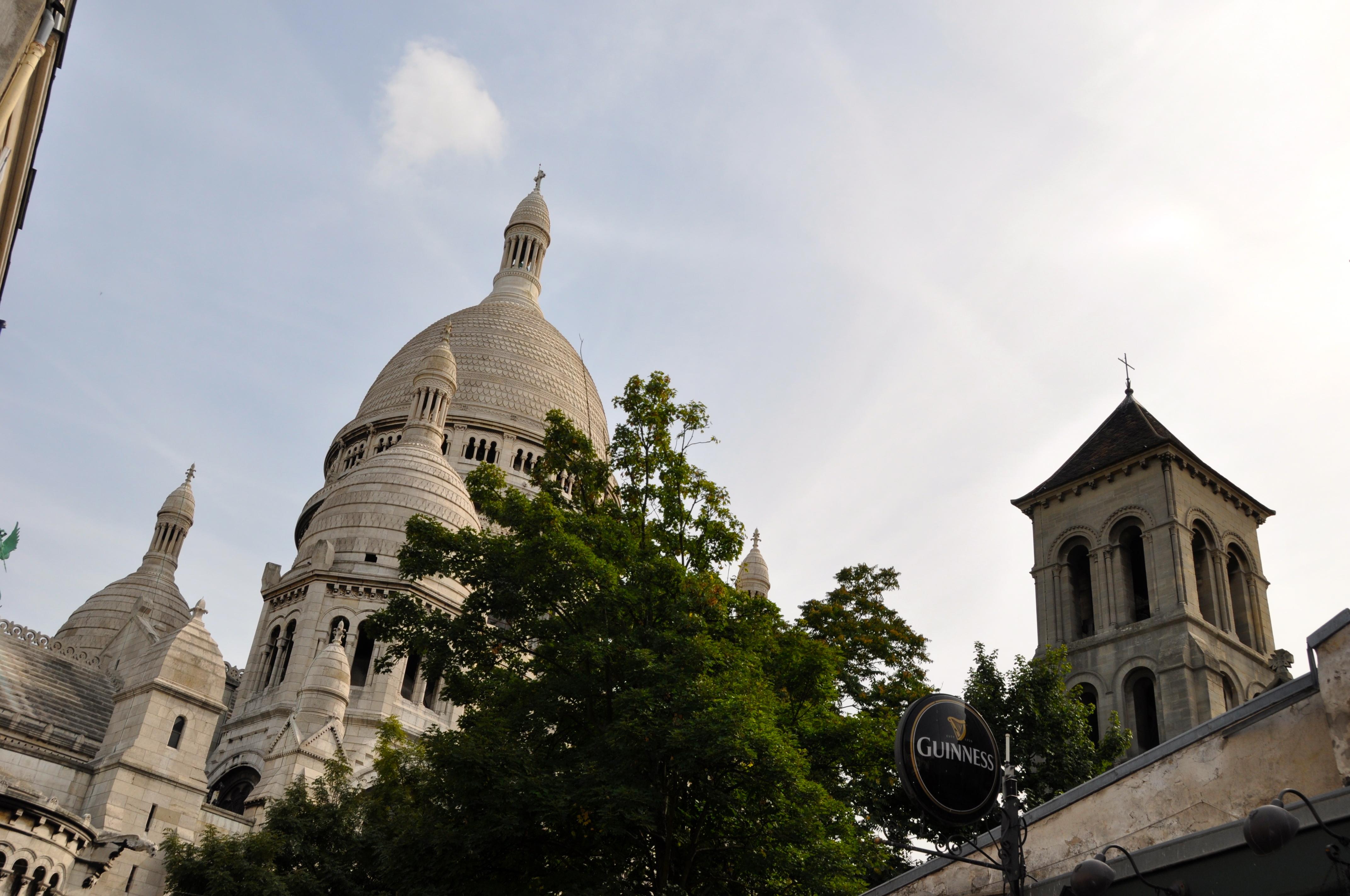 Basilique du Sacré-Coeur et église Saint-Pierre-de-Montmartre