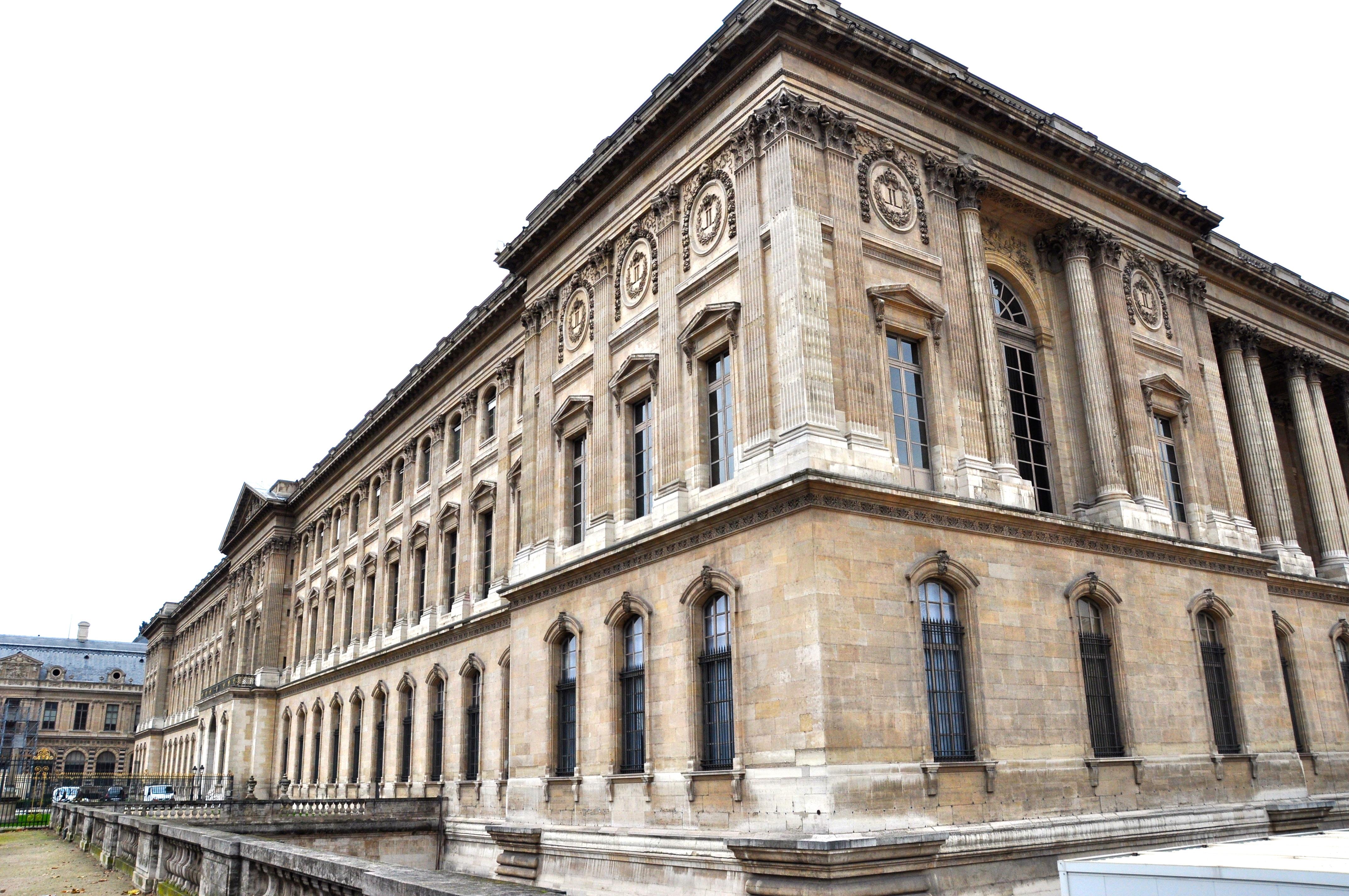 Angle Sud-Est du Louvre, façade Louis XIV, Paris