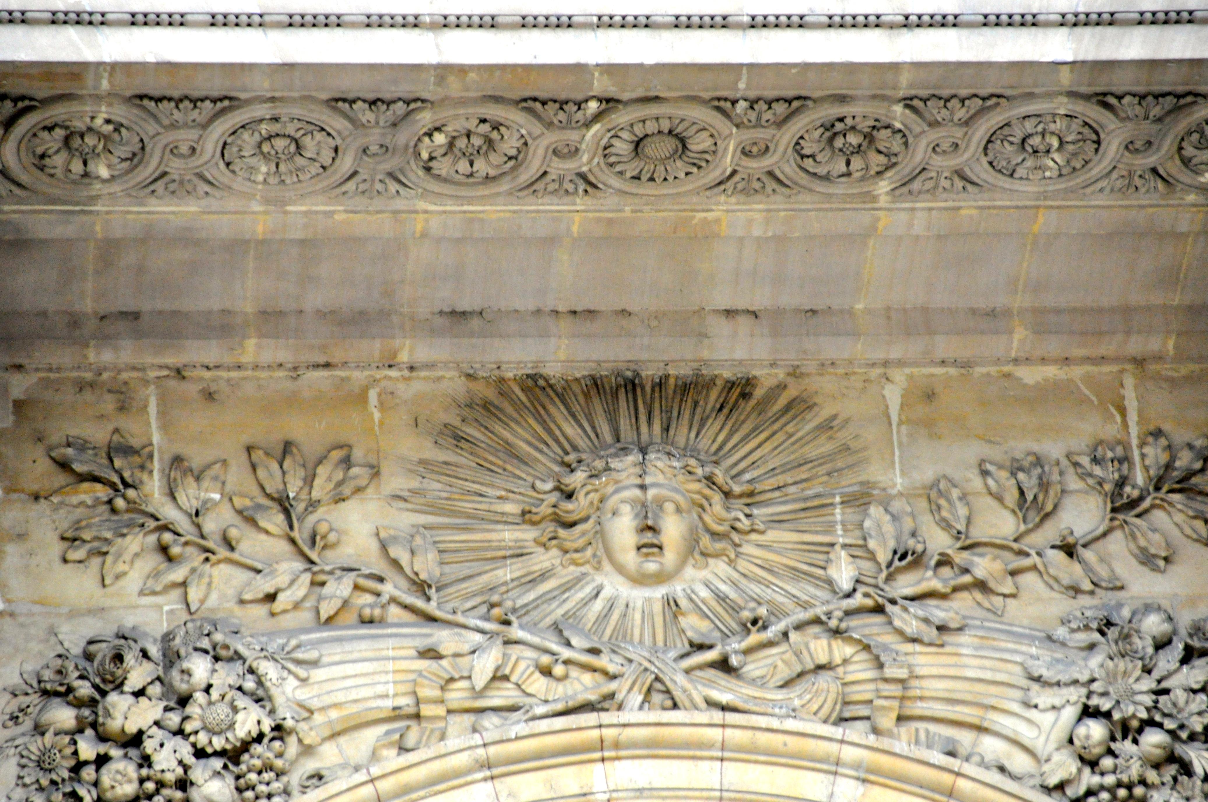 Le Roi soleil, façade orientale du Louvre