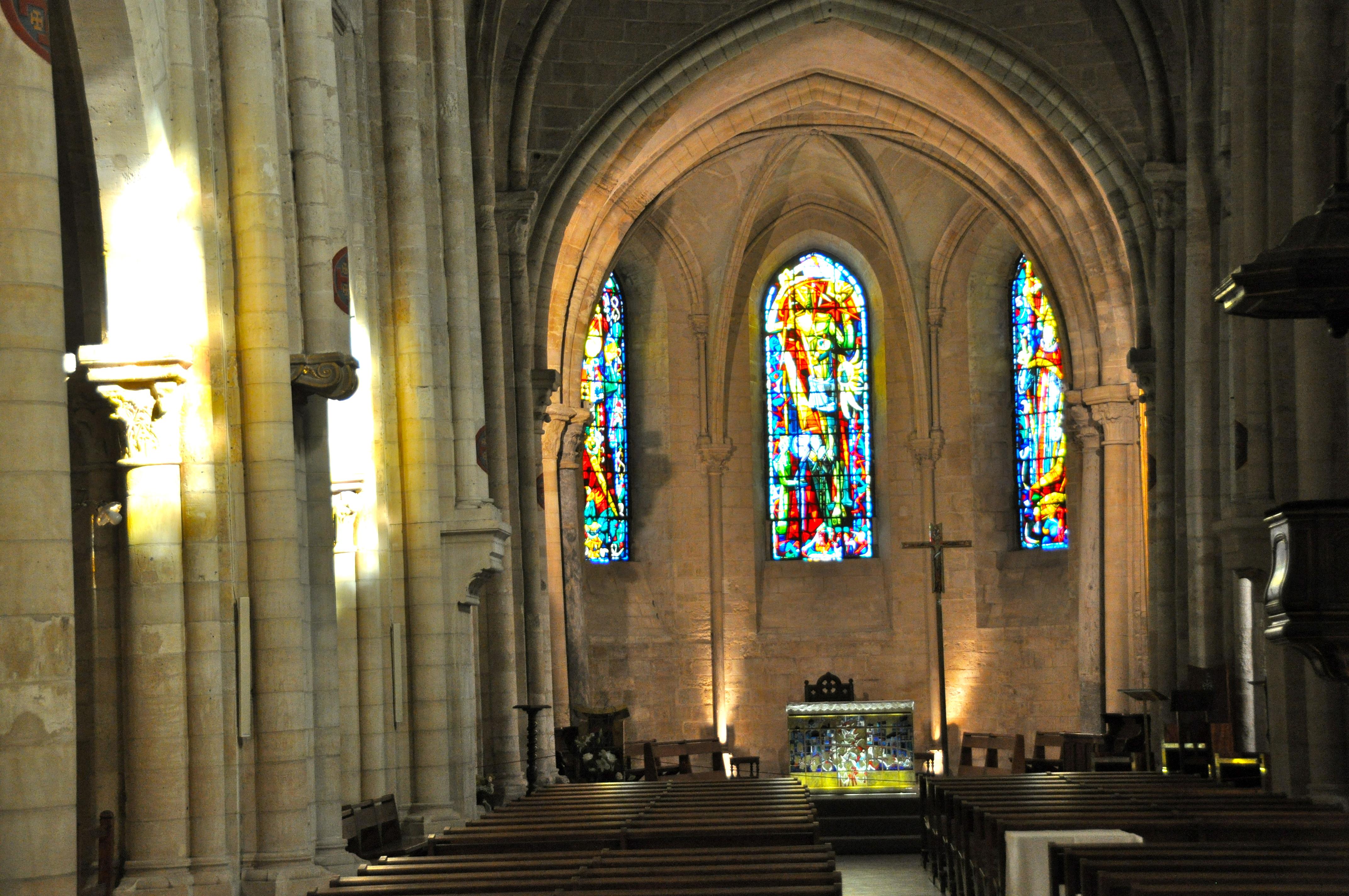 Nef et choeur de l'église Saint-Pierre-de-Montmartre