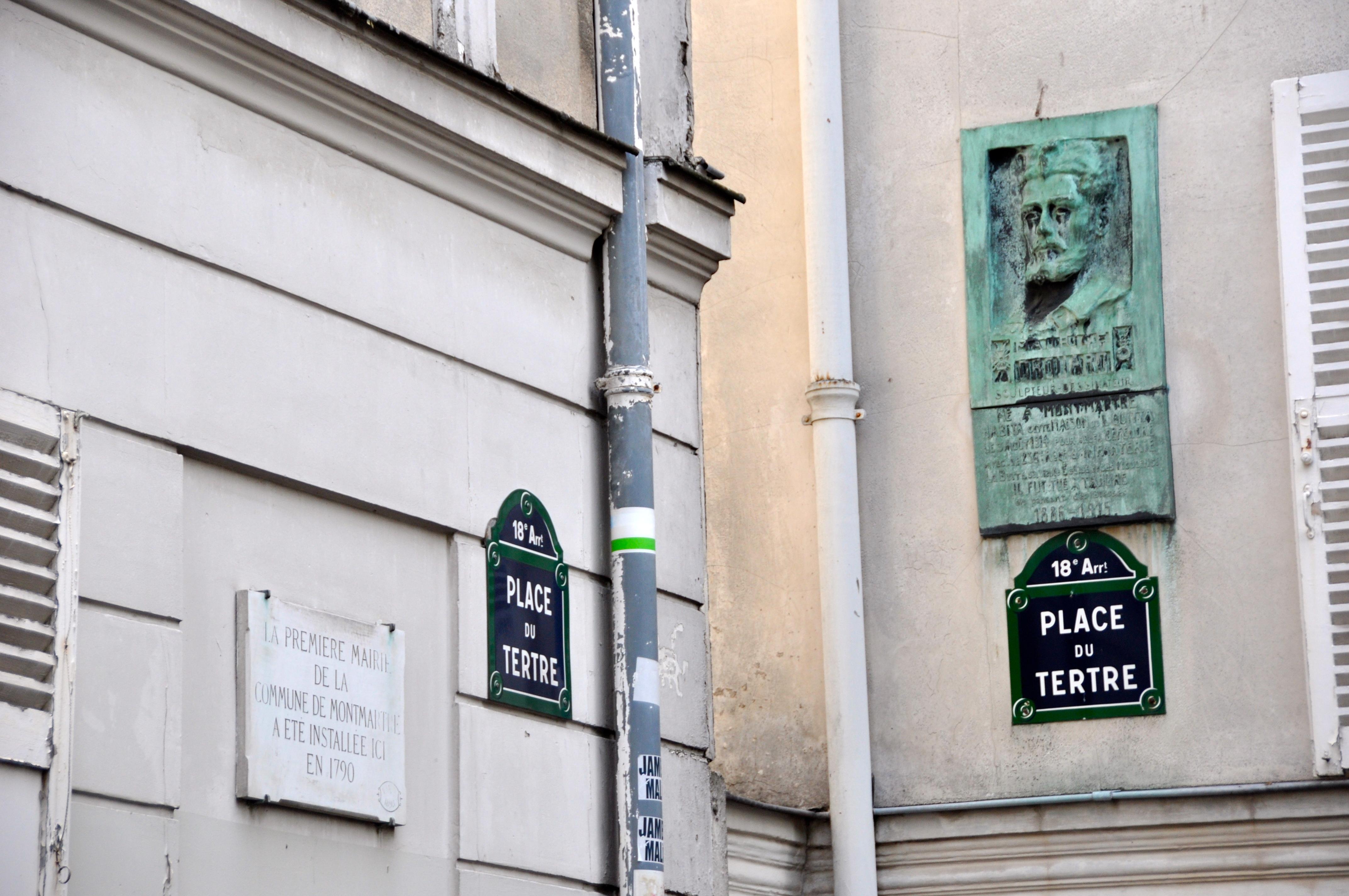Première mairie de Montmatre, place du Tertre, Paris